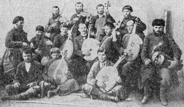 Перші спроби організації оркестру